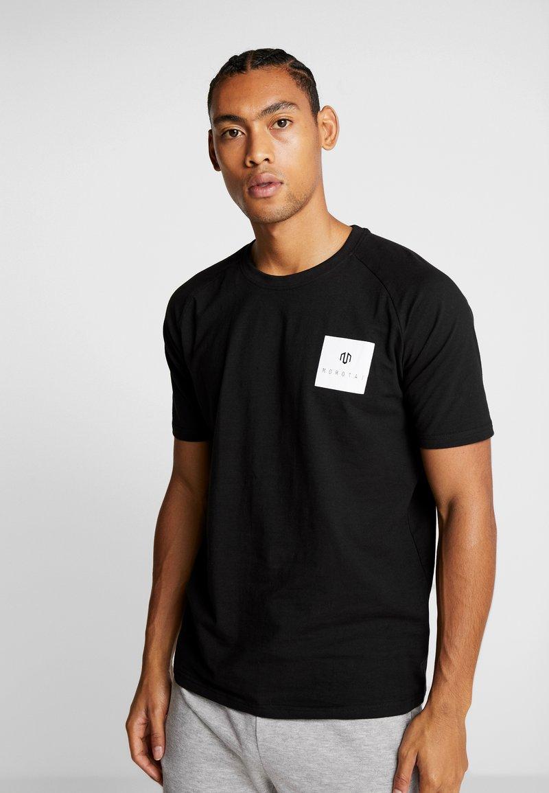 MOROTAI - PREMIUM BLOCK LOGO  - Print T-shirt - black