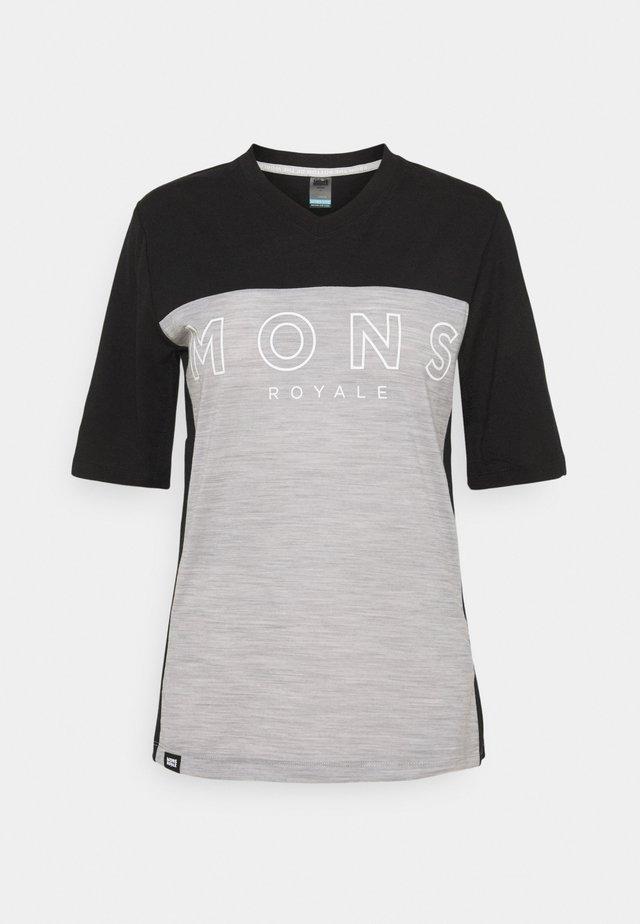 REDWOOD ENDURO - T-shirt med print - black/grey marl