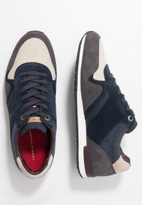 Tommy Hilfiger - ICONIC MIX RUNNER - Sneakers - blue - 1