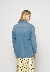 Vero Moda - VMOLIVIA JACKET - Denim jacket - medium blue denim - 2