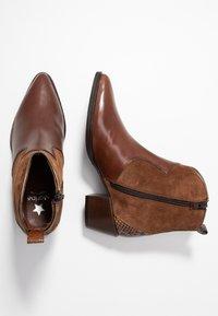 Maripé - Cowboy/biker ankle boot - triumph cigar - 3