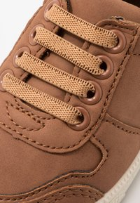Walnut - SAMMY  - Trainers - tan - 2