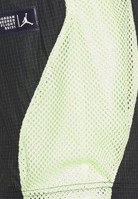 Jordan - TRACK PANT - Träningsbyxor - black/light liquid lime/electric green - 8