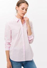 BRAX - STYLE VICTORIA - Button-down blouse - rose - 0