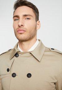 Gianni Lupo - Trenchcoat - beige - 3