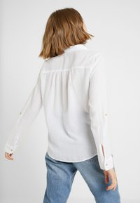 Hollister Co. - LONG SLEEVE POPOVER - Bluser - white - 2