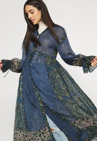 Free People - SAMIRA MAXI - Skjortekjole - midnight - 3