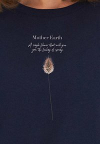 KULTgut GbR - MOTHER EARTH - Collegepaita - dark blue - 3