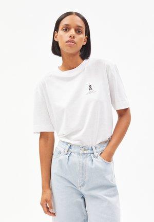 TARAA CIRCULAR  - Print T-shirt - recycled white
