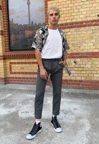 adidas Originals - MID CUT 3 PACK - Socks - pink/white - 1