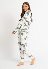 Chelsea Peers - ZEBRA - Pyjamas - white - 1