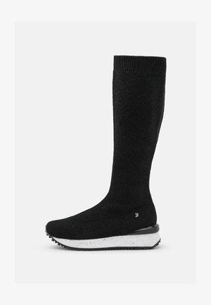 TYNSET - Platform boots - black