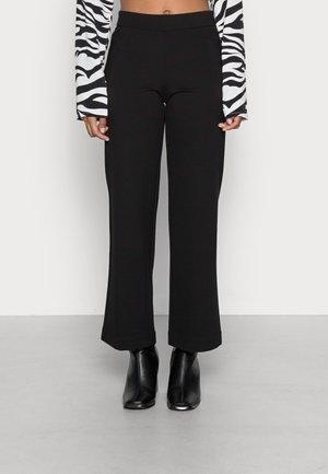 VMKAMMIE STRAIGHT - Trousers - black