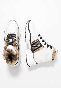 Maripé - Ankle boots - bianco/nero - 3
