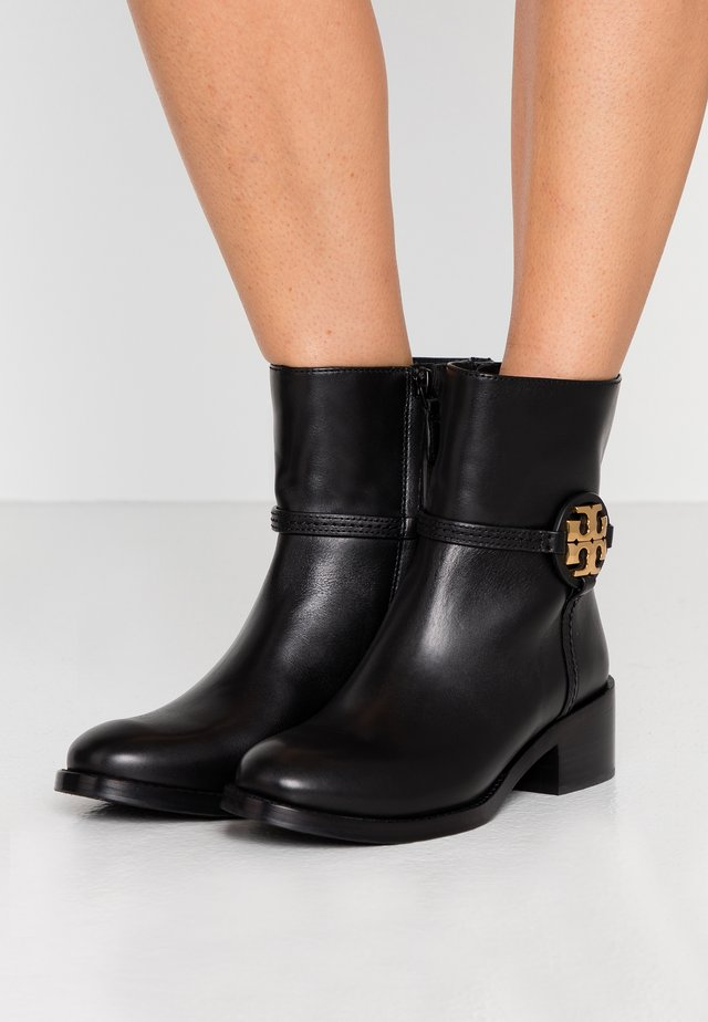 MILLER BOOTIE - Korte laarzen - perfect black