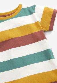 Next - 3 PACK  - T-shirt print - multi-coloured - 5
