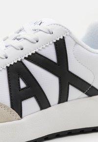 Armani Exchange - Sneakers basse - white/black - 5
