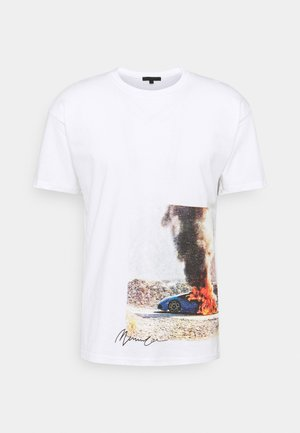 MENNACE BURNING CAR REGULAR UNISEX  - Print T-shirt - white