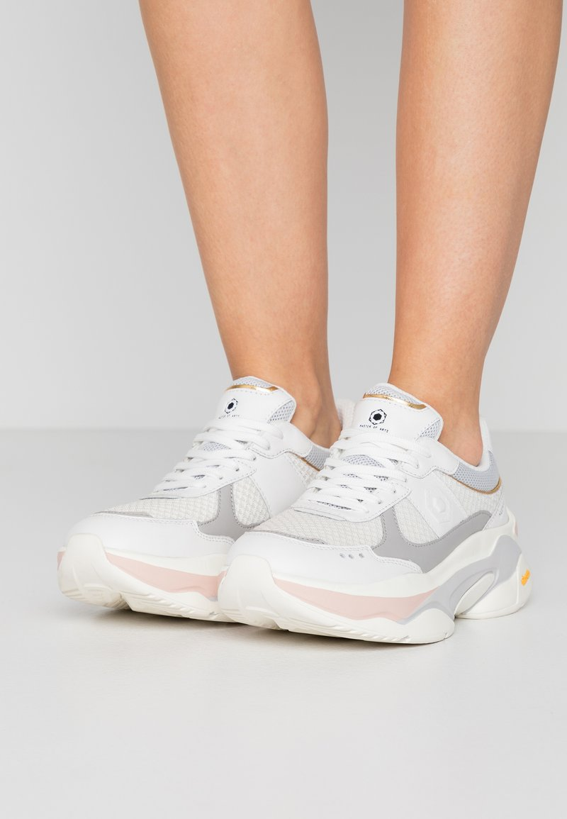 MOA - Master of Arts - Sneakers - white/soft pink