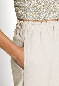 Abercrombie & Fitch - PULL ON - Trousers - flax - 4
