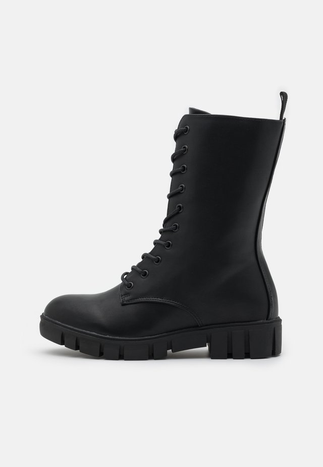 JACQUIE MIDI LACE UP BOOT - Kozaki sznurowane - black