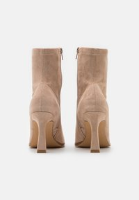 Missguided - FEATURE SOCK BOOTS - High heeled ankle boots - sand - 3