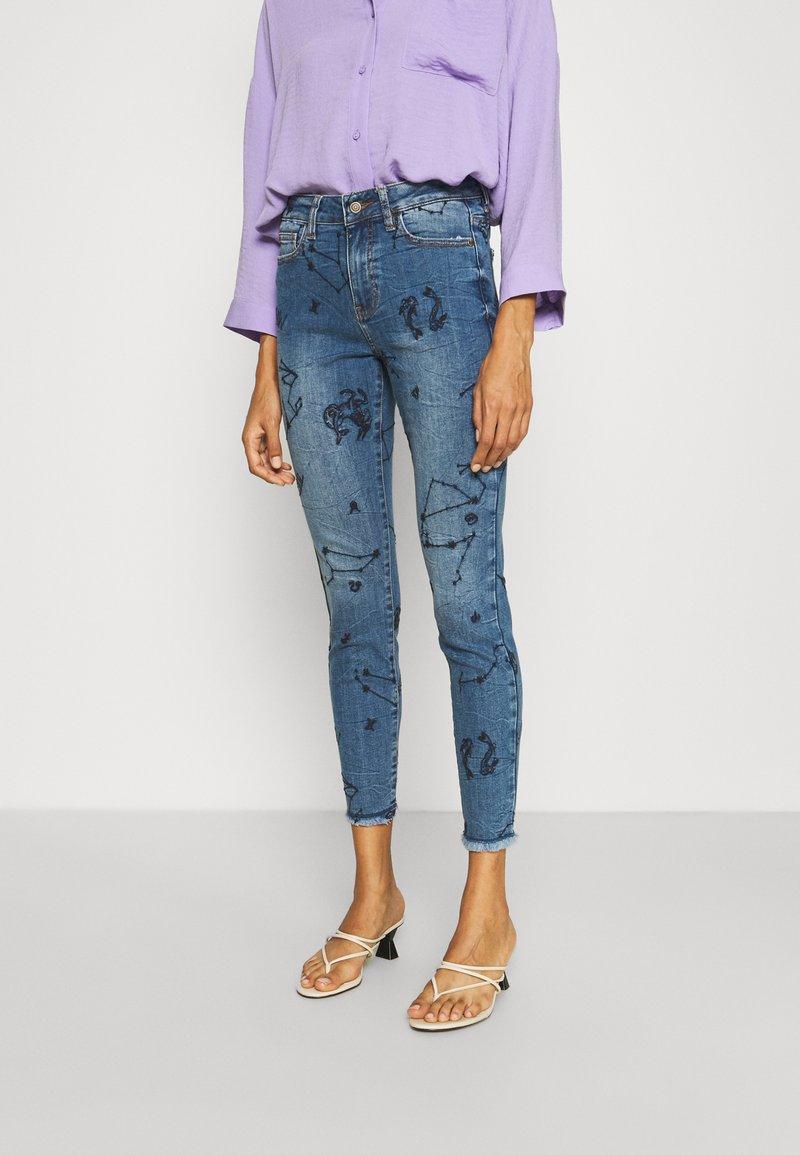 Desigual - AUSTRA - Jeans Skinny Fit - blue