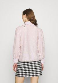 Sister Jane - PICK A PETAL BOW BLOUSE - Button-down blouse - pink - 2