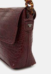 TOM TAILOR - MARIS - Handbag - wine - 3