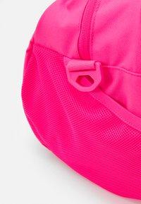 Nike Sportswear - Sportovní taška - hyper pink/hyper pink/black - 4