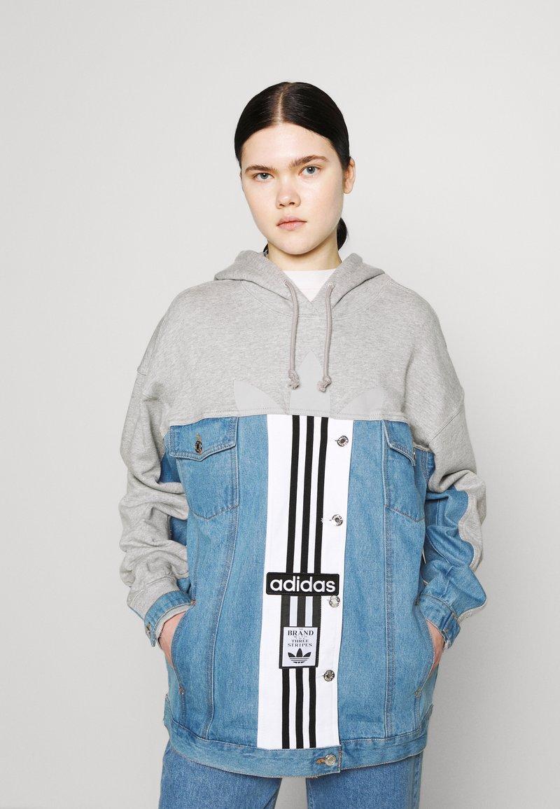 adidas Originals - JACKET - Veste en jean - medium grey heather