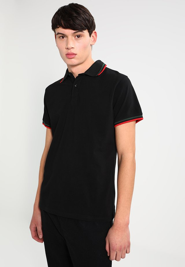 Polo - black/green/red
