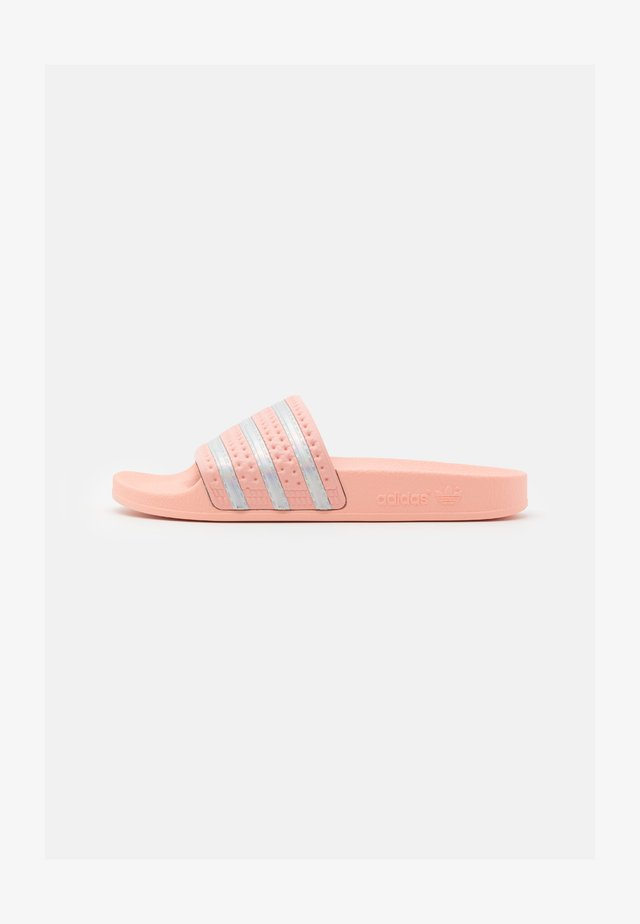 ADILETTE SPORTS INSPIRED SLIDES - Mules - haze coral/footwear white