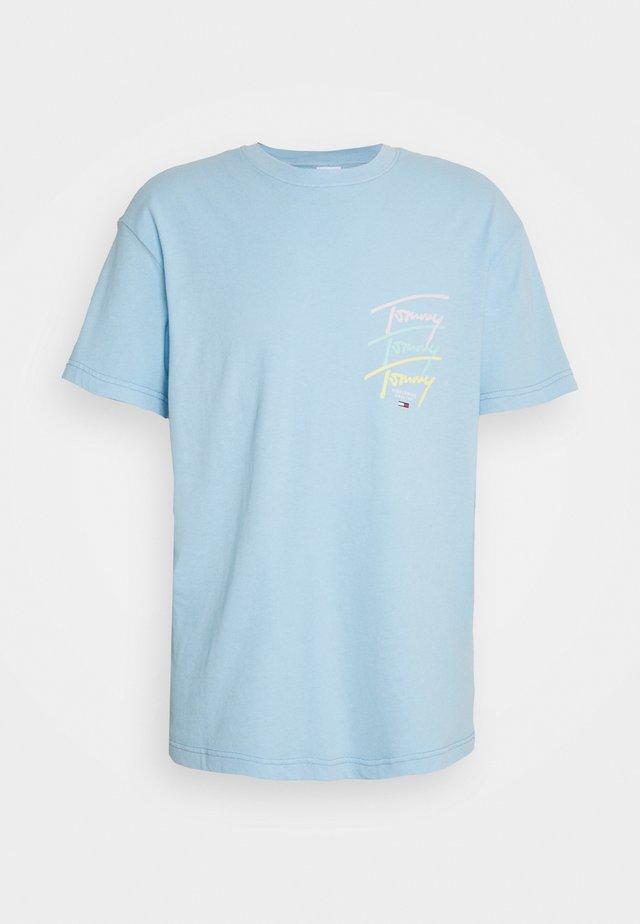 REPEAT SCRIPT TEE - T-shirt con stampa - light powdery blue