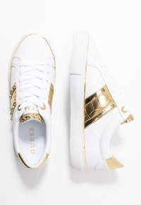 Guess - GRAYZIN - Sneakers laag - white/gold - 3