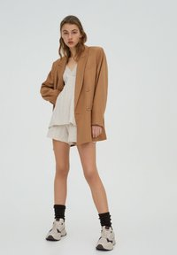 PULL&BEAR - Short coat - brown - 3