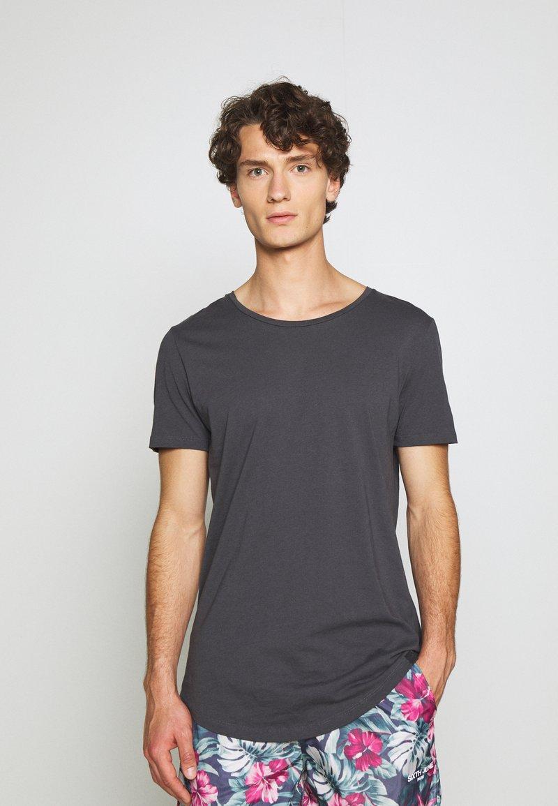 Lee - SHAPED TEE - T-shirts - black