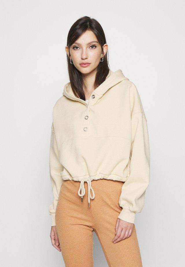 BUTTON DRAWSTRING HOODIE - Bluza z kapturem - creme