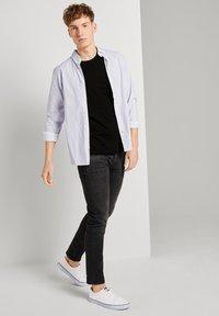TOM TAILOR DENIM - Basic T-shirt - black - 1
