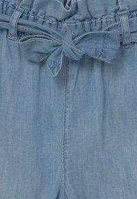 GAP - GIRL CROP BELTED  - Džíny Bootcut - blue denim - 2