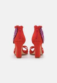 Cosmoparis - ZOE - Sandals - orange/fuchsia - 3