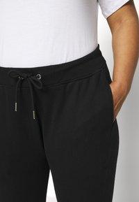 Calvin Klein Jeans Plus - PLUS MICRO BRANDING PANT - Tracksuit bottoms - black - 3