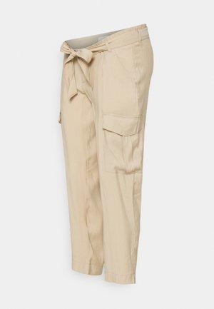 MLBENITA 7/8 WOVEN PANTS - Cargo trousers - beige
