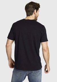 Jan Vanderstorm - DORMOD - Print T-shirt - black - 1