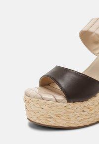 Laura Biagiotti - Platform sandals - beige - 5