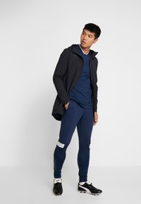 Under Armour - CHALLENGER MIDLAYER - Long sleeved top - academy/halo gray - 1