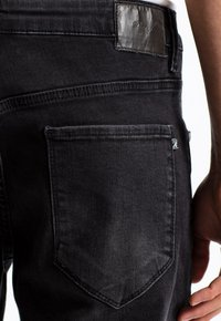 Reell - RAFTER - Denim shorts -  black denim - 2