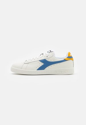 GAME - Trainers - white/riviera