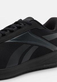 Reebok - ENERGEN PLUS - Obuwie do biegania treningowe - core black/cold grey - 5