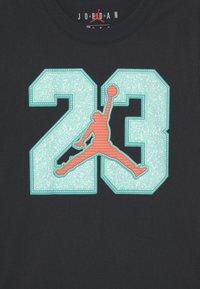 Jordan - GAME TIME - Print T-shirt - black - 2